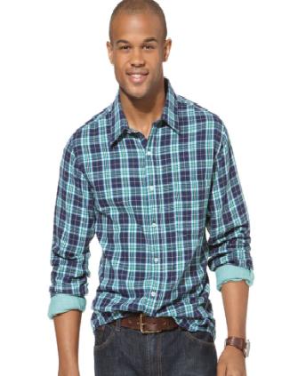 рубашка заправлена только спереди