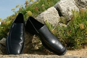 Размягчить обувь с помощью народных средств