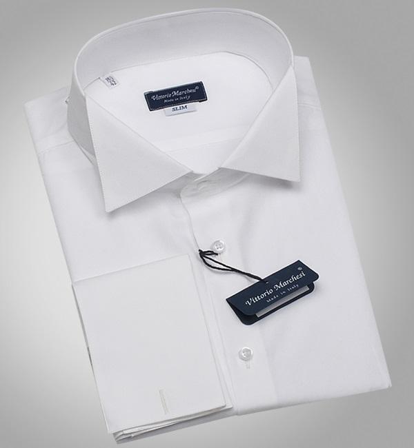 белая сорочка с воротником-бабочкой