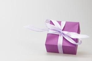 Варианты подарков на год отношеий