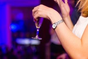 Как правильно познакомиться с девушкой в ночном клубе: пошаговая инструкция